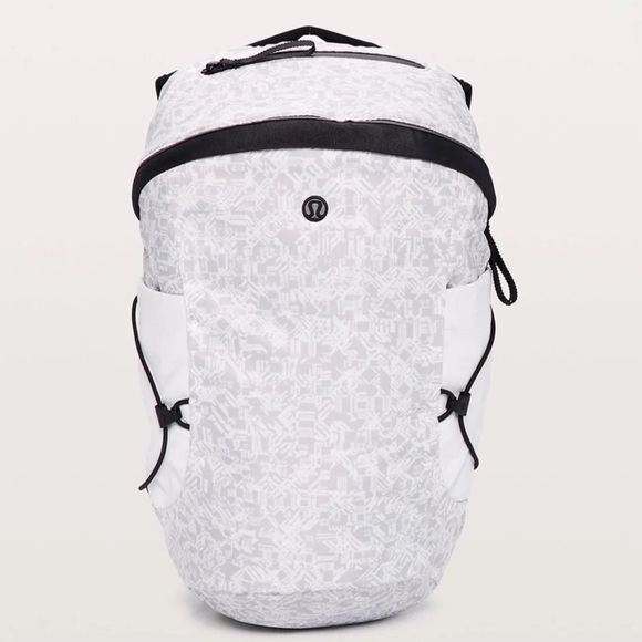 NWT Lululemon Run All Day Backpack 11